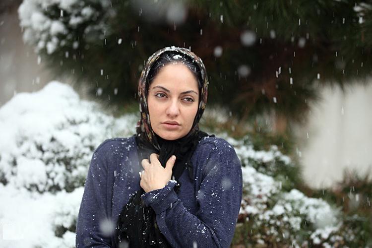 مهناز افشار در فیلم برف روی کاج ها