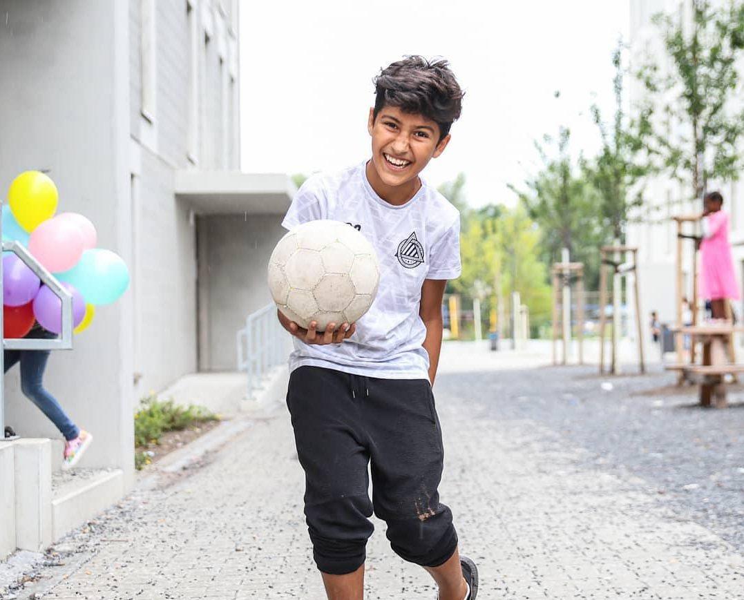 کودک مهاجر افغانستانی در برلین آلمان