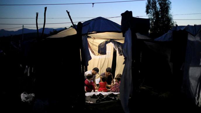 مهاجران در چادر