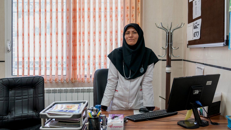 فضه حسینی، پزشک مهاجر